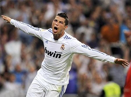 Ronaldo thăng hoa với 53 bàn thắng trong mùa giải thứ 2 khoác áo Real Madrid