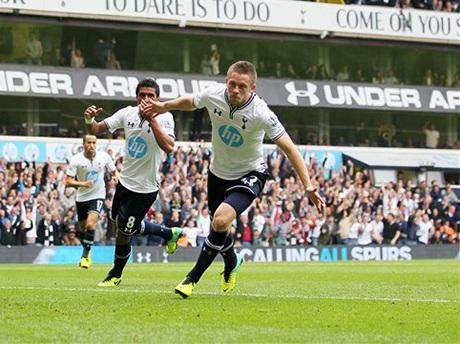 Sigurdsson đang có sự thăng hoa lớn trong giai đoạn gần đây, anh liên tiếp ghi bàn cho Tottenham