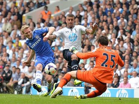 Chelsea chiếm lĩnh thế trận sau bàn gỡ hòa, họ đã có vài cơ hội ghi bàn nhưng không thành công
