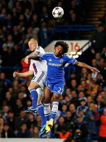 Willian ra mắt Chelsea, nhưng anh khá mờ nhạt