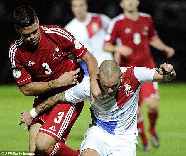 Sneijder dứt điểm khá nhiều nhưng lại không ghi được bàn
