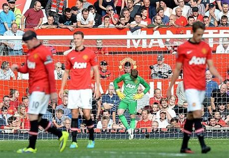 Các cầu thủ MU thất vọng sau bàn thua