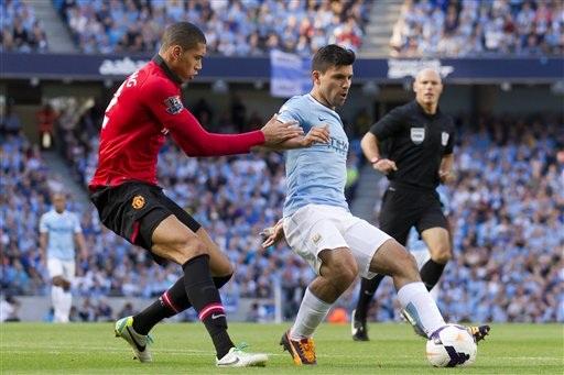 MU thiếu vắng Van Persie cho trận derby quan trọng