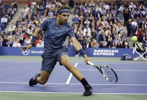 Nadal có những thời điểm sa sút ở đầu set 2