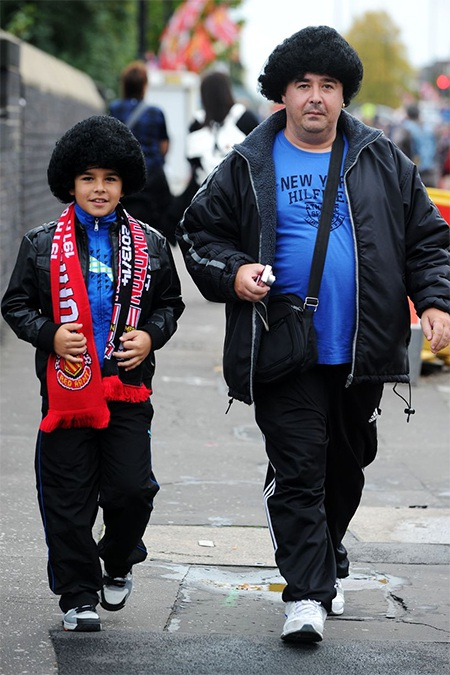 Thêm một cặp tóc Fellaini xuất hiện tại Old Trafford