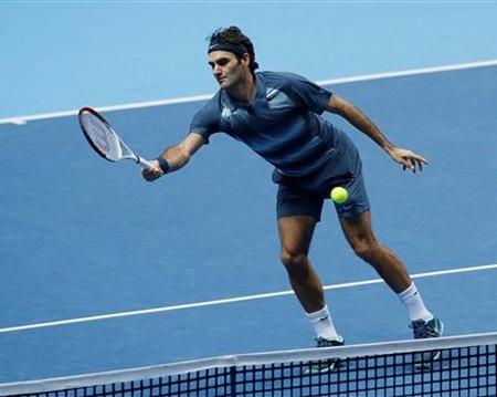 Federer tự đánh hỏng khá nhiều và làm mất điểm rất đáng tiếng