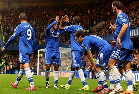 Chelsea tái lập thế dẫn bàn