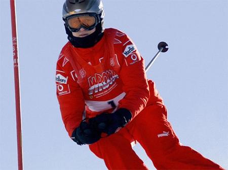 Ngoài đua xe, Schumacher còn đam mê nhiều môn thể thao khác như bóng đá, trượt tuyết...