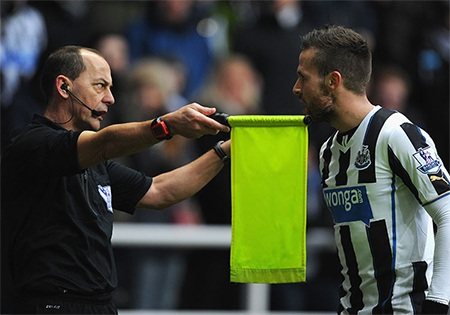 Pardew bực tức vì Newcastle bị từ chối bàn thắng