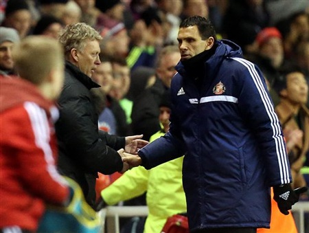 Moyes bắt tay Poyet trước trận đấu
