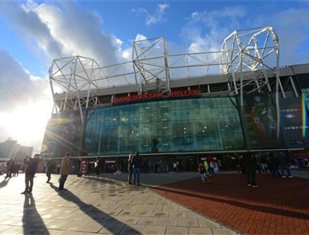 Old Trafford vẫn đông nghẹt các cổ động viên đến theo dõi trận đấu