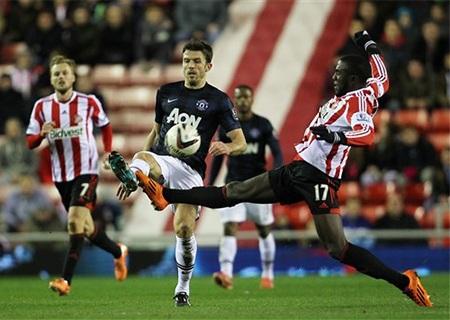 Carrick đã trở lại và thi đấu khá ổn ở khu vực giữa sân