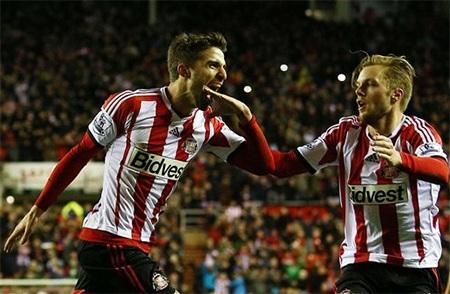 Sunderland có bàn thắng nâng tỉ số lên 2-1