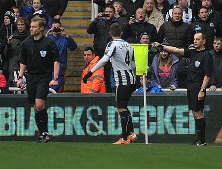 Trọng tài sai lầm khi không công nhận bàn thắng của Newcastle