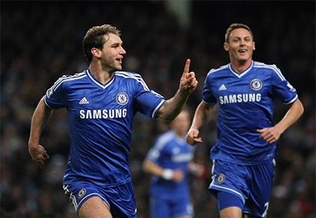 Bàn thắng tuyệt vời của Ivanovic giúp Chelsea giành chiến thắng