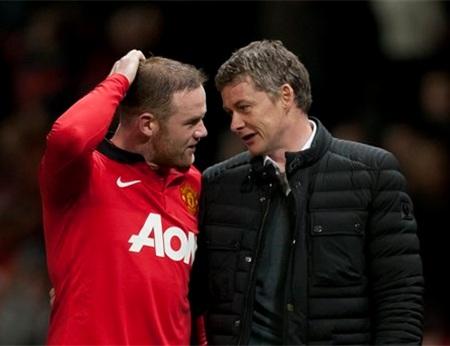 Lòng trung thành của Rooney với MU vẫn luôn bị nghi ngờ