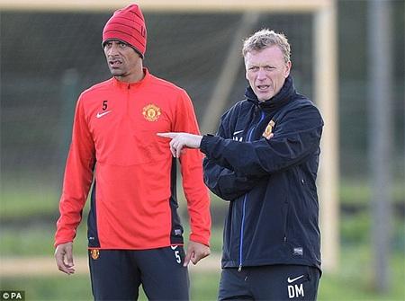 Moyes và Ferdinand đang xảy ra mâu thuẫn lớn?