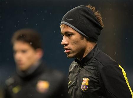 Neymar cũng được đặt nhiều kì vọng ở trận đấu đêm nay