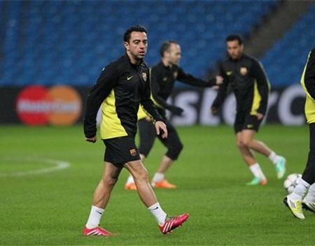 Xavi vẫn là cầu thủ quan trọng của Barcelona ở tuyến giữa