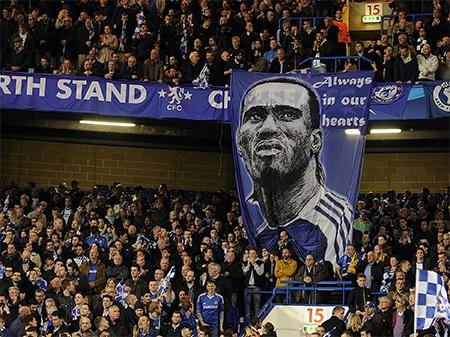 Dù đã ra đi nhưng Drogba vẫn luôn trong trái tim của người hâm mộ The Blues