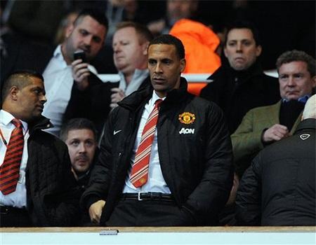 Ferdinand đã ngồi ngoài xem các đồng đội thi đấu