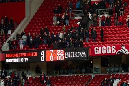 Kết quả 4-0 là sự khởi đầu đẹp của Giggs