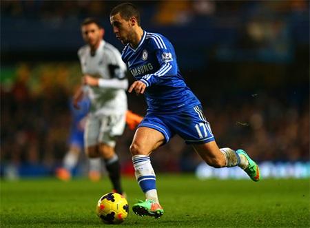 Hazard sẽ phải ngồi ngoài nhìn các đồng đội thi đấu với Swansea