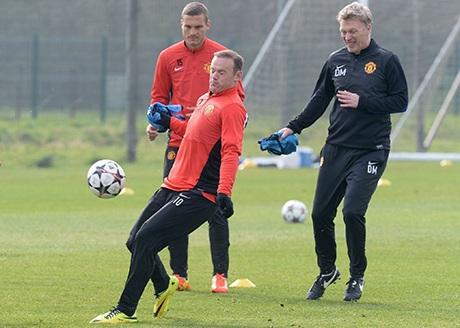 Pha xử lý bóng của Rooney