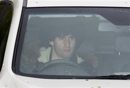 Fellaini ra về với gương mặt ủ rũ. Điều đó cho thấy buổi tập của MU khá căng thẳng