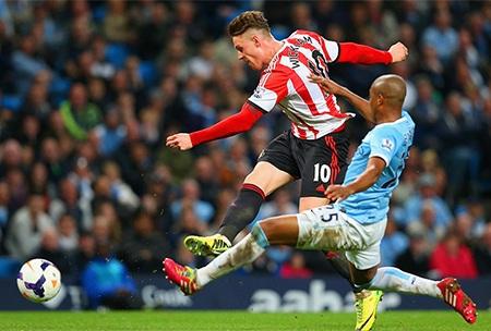 Man City không ngờ rằng họ tiếp tục bị thủng lưới bởi khả năng săn bàn sắc bén của Wickham
