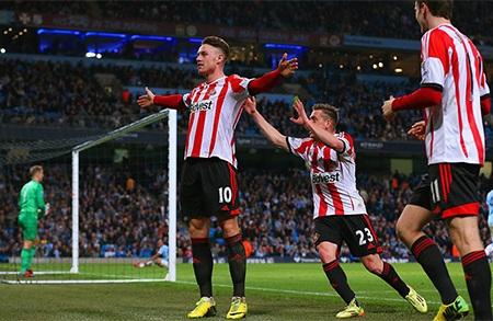 Niềm hân hoan của các cầu thủ đội khách khi trước mắt họ là 3 điểm