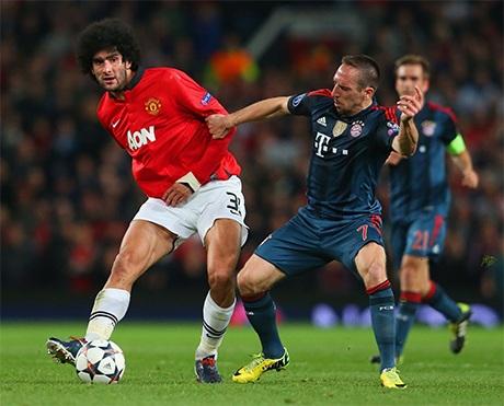 Fellaini tranh bóng với Ribery