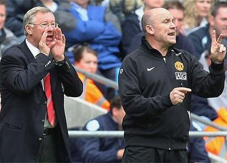 Ferguson nghỉ hưu, trợ lý của ông Phelan cũng bị mất việc