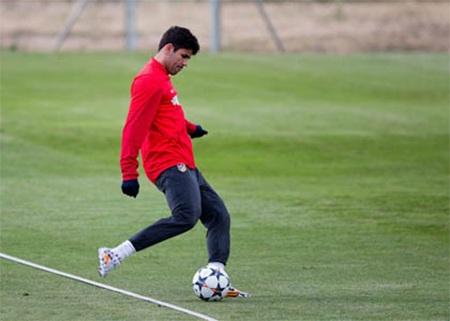 Diego Costa đã có thể tập luyện với bóng