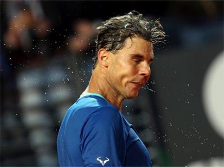 Trận đấu vô cùng gian nan của Nadal