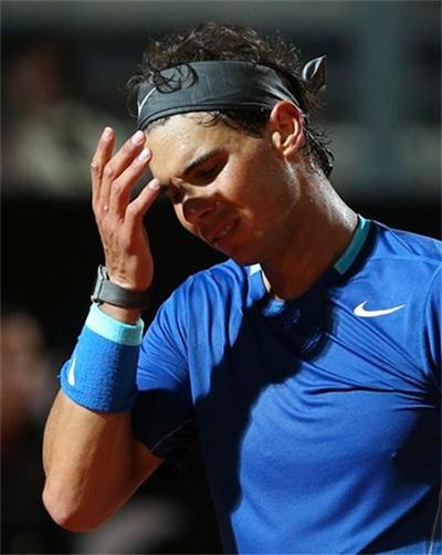 Sự thất vọng của Nadal sau một cú đánh hỏng