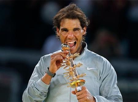Chiếc cúp vô địch lần thứ 4 của Nadal tại Madrid
