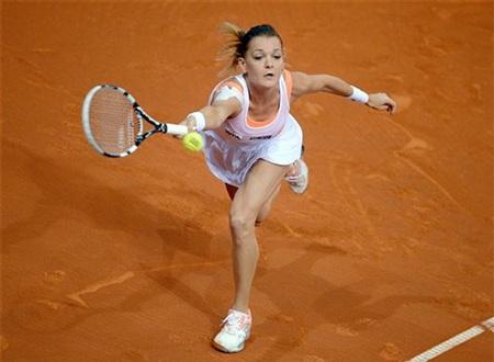 Radwanska cầm giao bóng rất yếu ở trận đầu