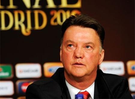 Van Gaal chính thức trở thành tân thuyền trưởng của MU