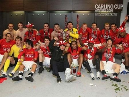 Mùa giải 2008/09, Vidic có chiếc cúp Liên đoàn thứ 2 cùng MU...