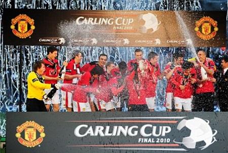 Năm 2010, Vidic lần thứ 3 giành cúp Liên đoàn cùng Quỷ đỏ