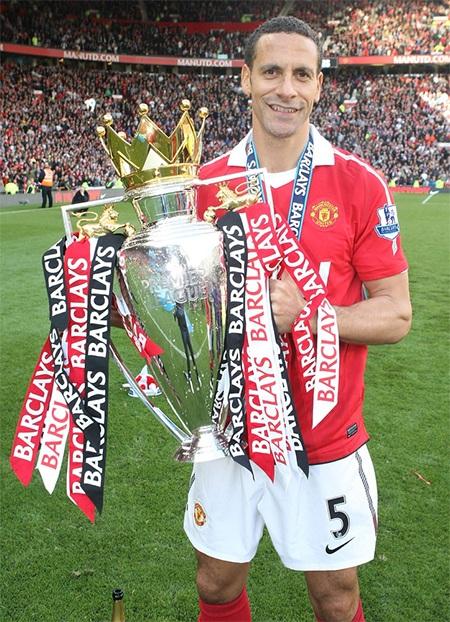 Chiếc cúp vô địch Premier League thứ 5 ở năm 2011
