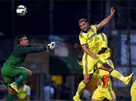 Ivanovic đánh đầu ghi bàn thắng thứ 4 cho Chelsea
