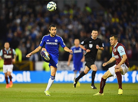 Fabregas có trận đấu chính thức đầu tiên ấn tượng với 2 tình huống kiến tạo cho đồng đội lập công