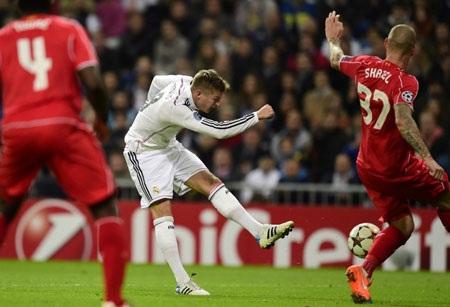 Toni Kroos thường xuyên tung ra các pha dứt điểm tầm xa