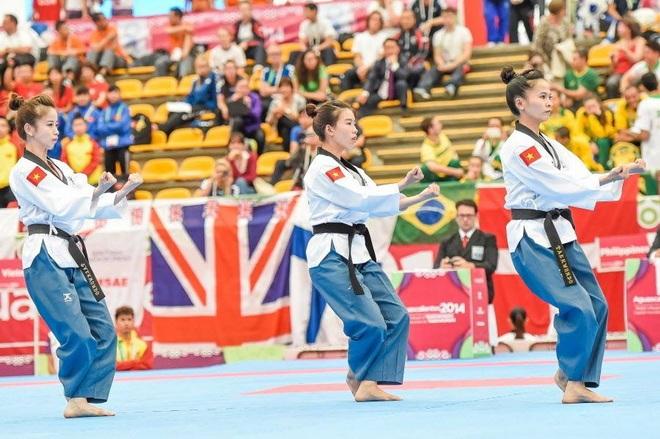 Châu Tuyết Vân cùng Nguyễn Thị Lệ Kim, Nguyễn Thùy Xuân Linh đã xuất sắc mang về tấm HCV Taekwondo