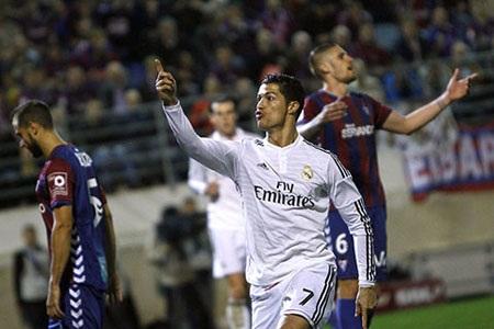 Valera cho rằng C.Ronaldo xứng đáng nhận nhiều Quả bóng vàng hơn
