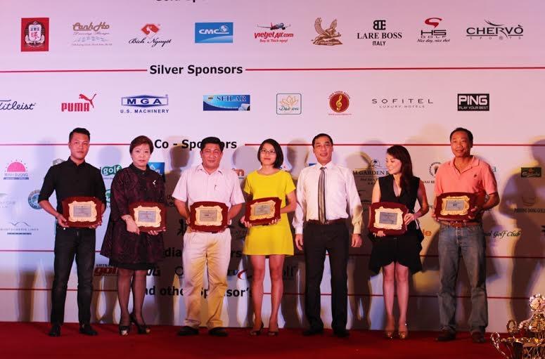 Tân Hoàng Minh là nhà tài trợ lớn cho các giải golf Vô địch CLB 2014