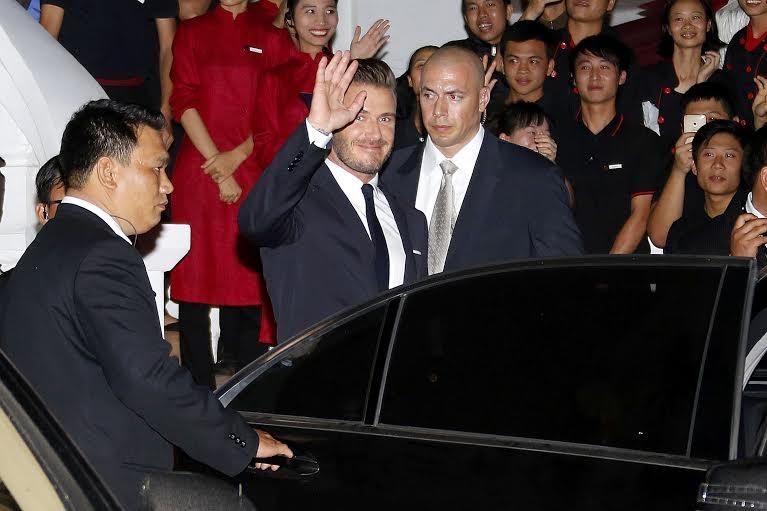 Beckham tỏ ra khá thân thiện với người hâm mộ Hà Nội