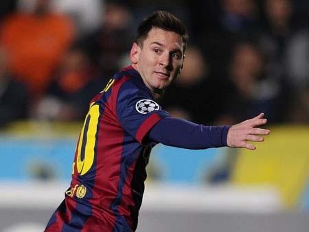 Messi liên tiếp xô đổ hai siêu kỷ lục
